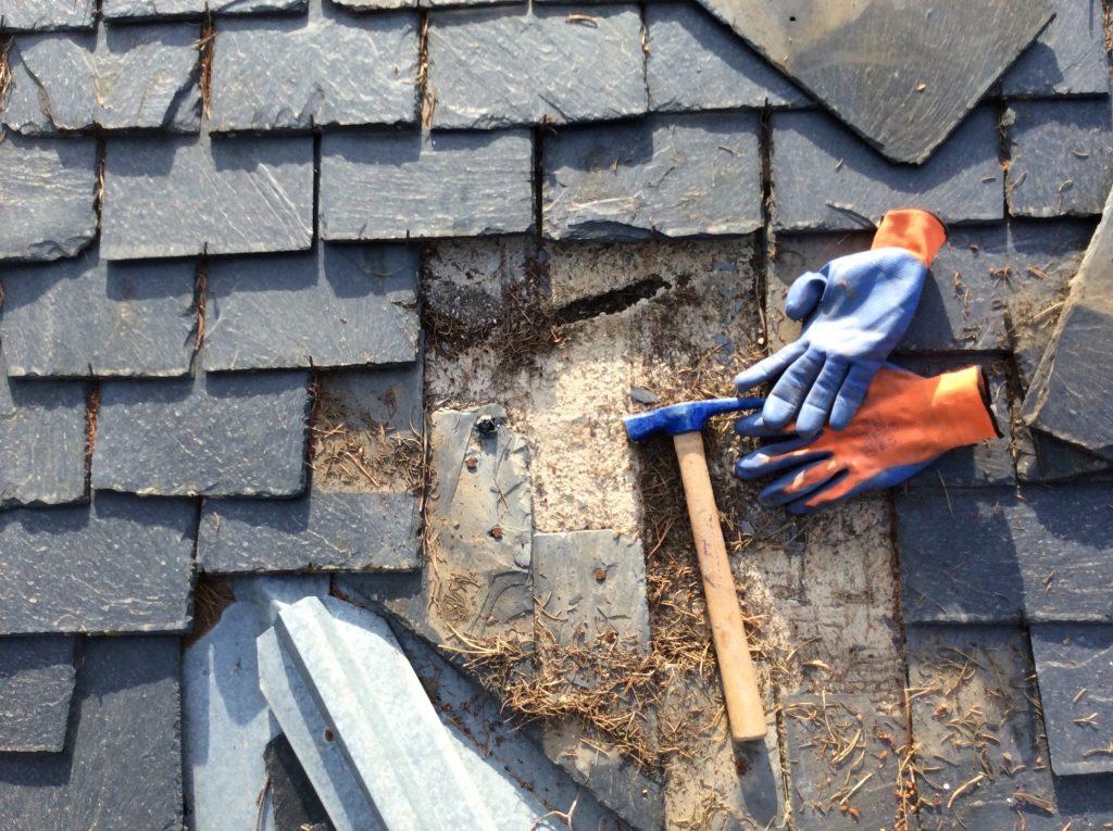 Arreglar tejados de pizarra